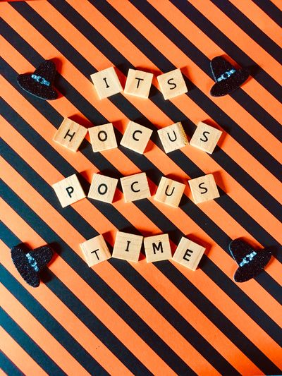 IT'S HOCUS