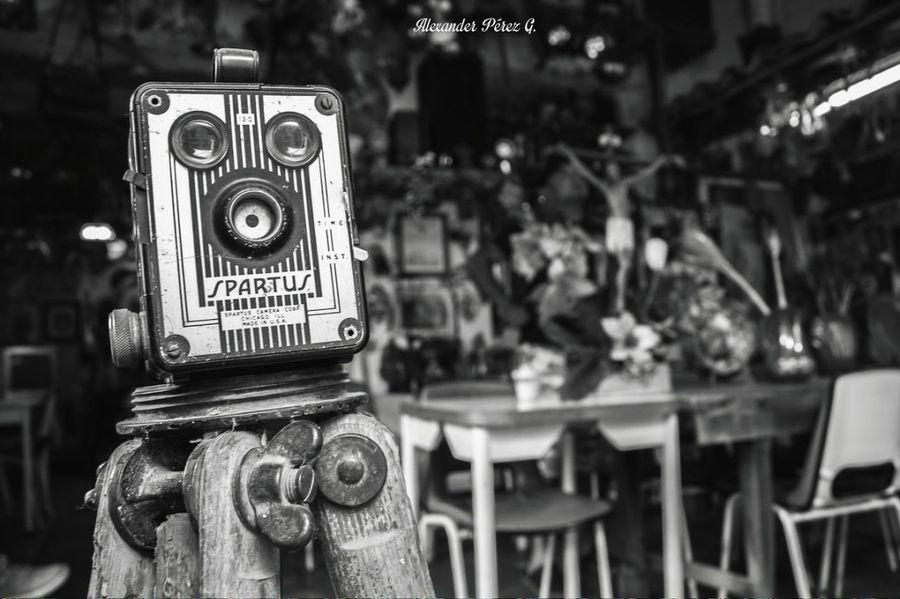 Cámara Camera Camera - Photographic Equipment Classic Camera Lens Black And White Photography Black And White Portrait Art
