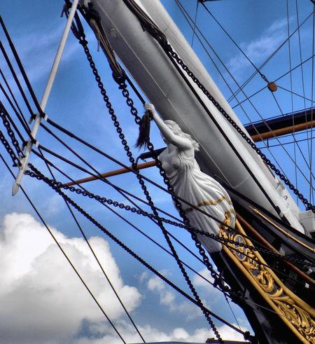 Cutty Sark II - Greenwich Cutty Sark Figurehead Nannie Dee Sky Blue Sky Greenwich Clipper Ship Sailing Ship Tall Ship Mast Nautical Vessel Sailing Rigging Sailboat Blue Cable