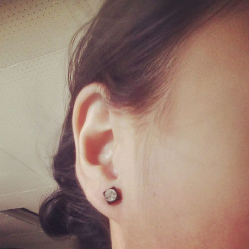 Wooh first time to wear an earring!! Looks great to me ;) Noholeinmyear Magnetearrings Looksgreat