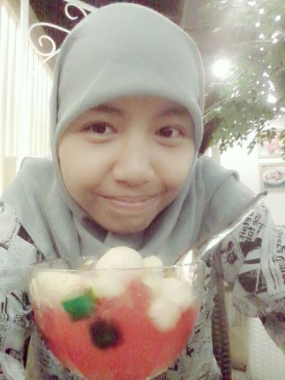 That's Me with Sop Buah
