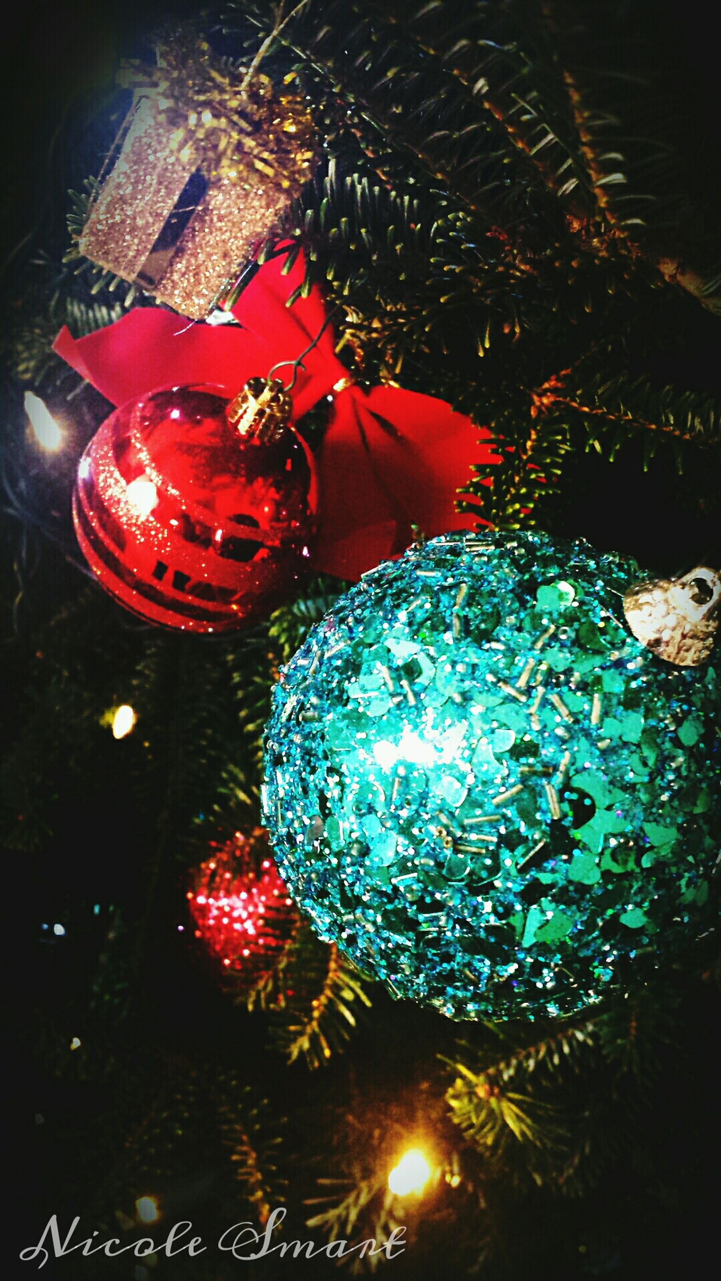 illuminated, night, celebration, red, christmas, indoors, christmas decoration, decoration, tradition, glowing, lighting equipment, christmas tree, multi colored, christmas lights, christmas ornament, celebration event, high angle view, close-up, cultures, decor