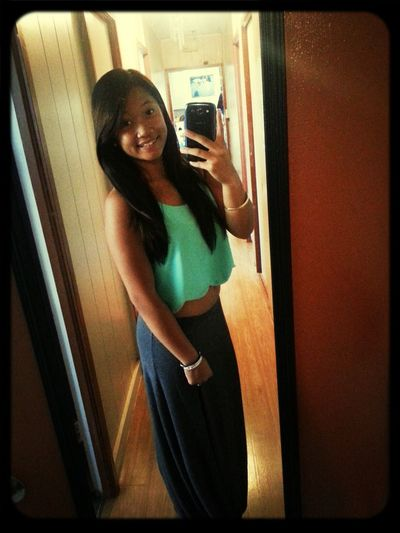 Im just a girl thats trying to live her life with loved ones ♥♥ Haventpostedinforevers PrettyPretty♥ Senior 2014 #271sdays