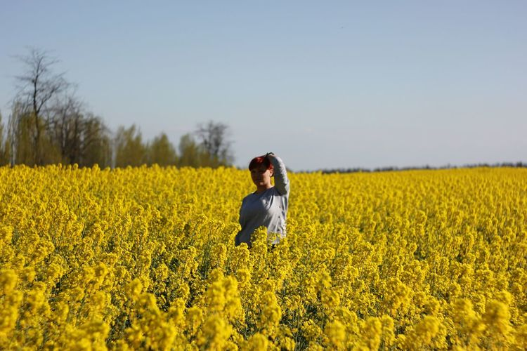 Flower Young Women Rural Scene Cereal Plant Women Oilseed Rape Yellow Portrait Agriculture Beauty EyeEmNewHere Summer Exploratorium