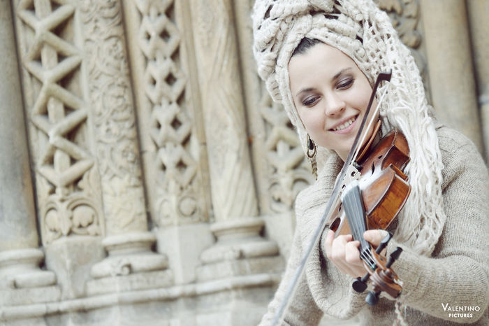 #art #MusicianLife #portrait #violin Arts Culture And Entertainment Beautiful People Beautiful Woman Beauty Beauty In Nature Females Looking Music Musical Instrument One Person One Woman Only One Young Woman Only Only Women Outdoors People Portrait String Instrument Violin Women Young Women