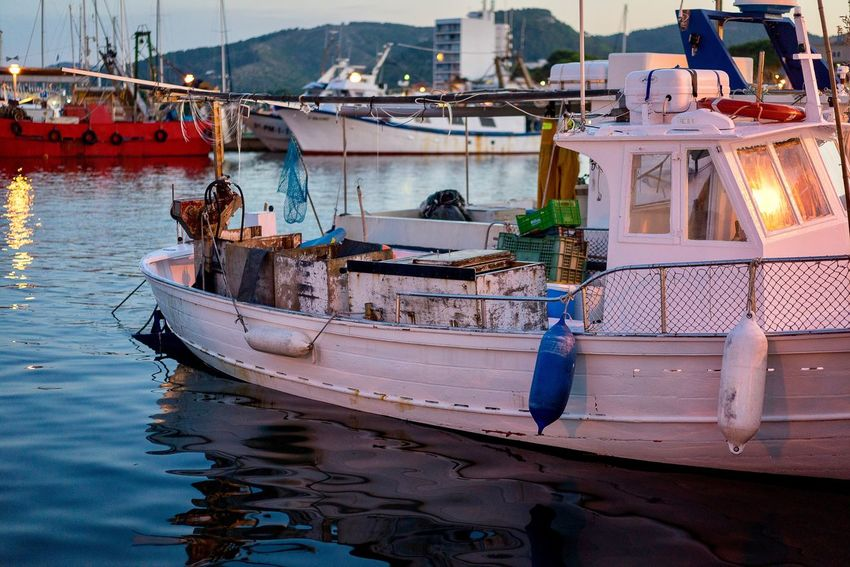 50+ Fishing Boat Pictures HD   Download Authentic Images on