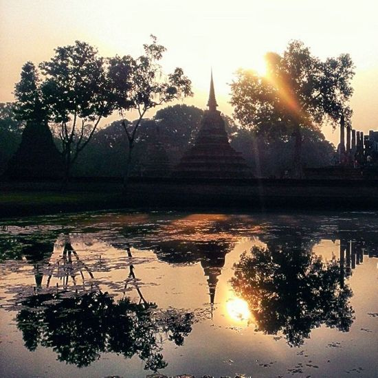 Sukothai Historical park , Sukothai , Thailand Sukothai Thailand Historicalpark Sunset Réflexion Reflect Reflection Silhouette HNY2014  Holidays Picoftheday