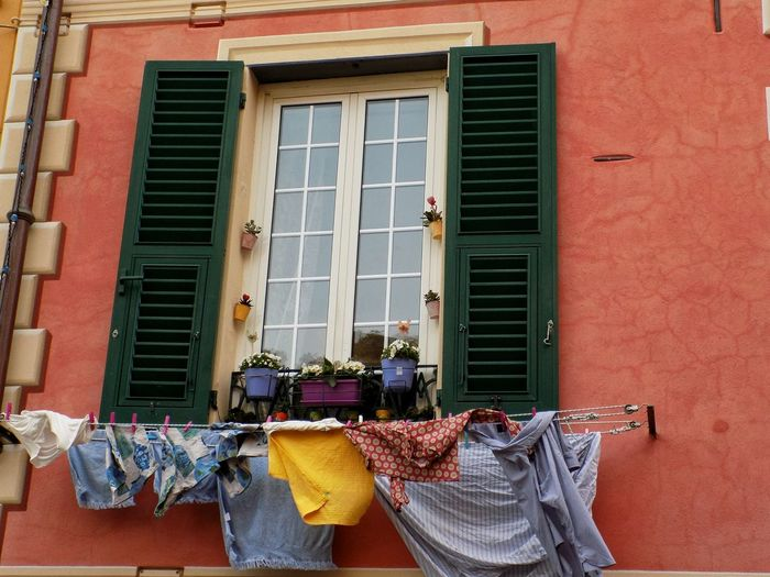 Taking Photos Taking Pictures No People Italy Colorful Colors Window Windows Italia Italian Clothes Ventana Fenêtre Color Italie Italien Nikon Nikonphotography Building Exterior Home EyeEm Selects