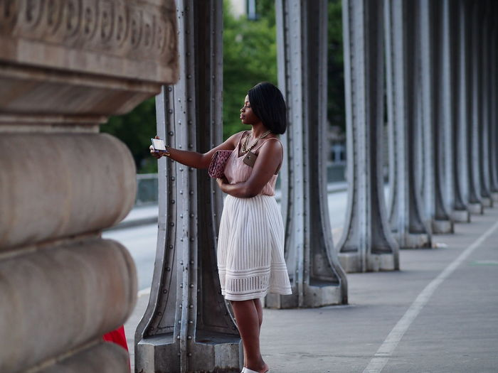 Paris Street Photography Elegant Woman Full Length Lifestyles One Person Pont De Bir-hakeim Real People Selfie Standing Young Woman Smiling