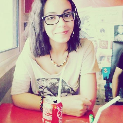 Hangout with Girls Muchfun Goodtime at Café_Rouge tunis tunisia