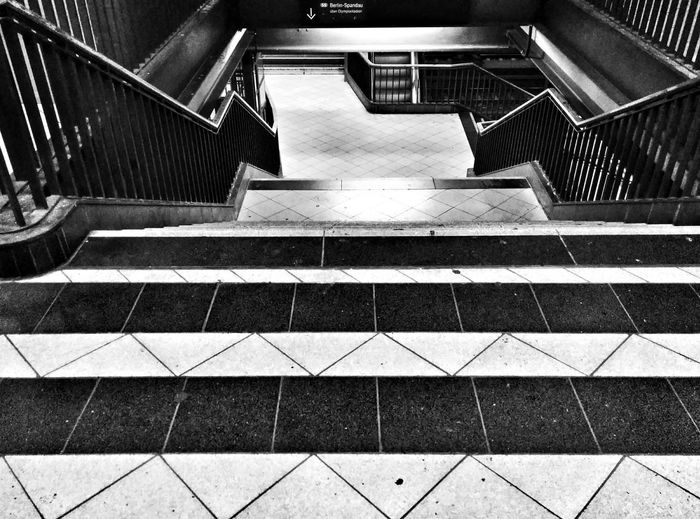 Blackandwhite UbahnStation Notes From The Underground Stairs Perspectives And Dimensions Leading Lines Diagonals
