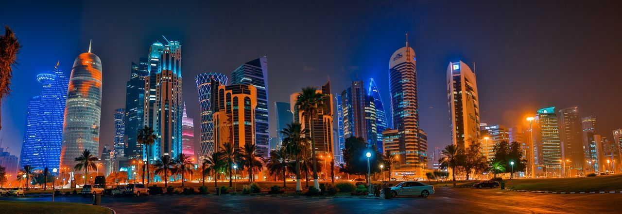 Panorama cityview Illuminated Night Architecture Built Structure City Building Exterior Sky Building Nature Office Building Exterior Celebration Tall - High Decoration Christmas Lights Christmas Skyscraper Tower Travel Destinations Cityscape Street The Architect - 2018 EyeEm Awards