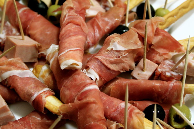 Aperitivo  Close-up Day Eating EyeEmNewHere Food Food And Drink Food Photography Foodphotography Freshness Ham Happy Hour Healthy Eating Indoors  Italian Food Meat No People Plate Pork Prosciutto Prosciutto Crudo Ready-to-eat Sausage SLICE Still Life