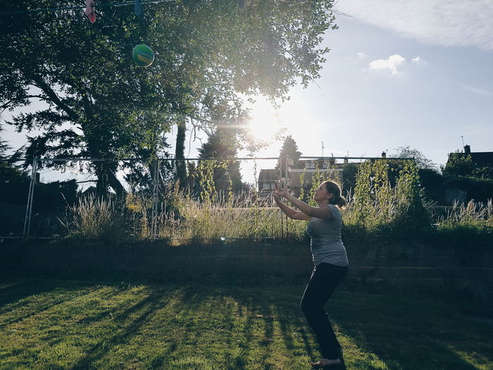 Adventure Club The joys of finally being able to play Volleyball when Summer has come. Vscocam VSCO People Games Outdoors HuaweiP9 Leica Lens Leica Leica P9 Leica Photography Huawei p9 Huawei P9 Leica Sports Sport Fun Action Shot  Sun Green Light Sunshine фотография Activity
