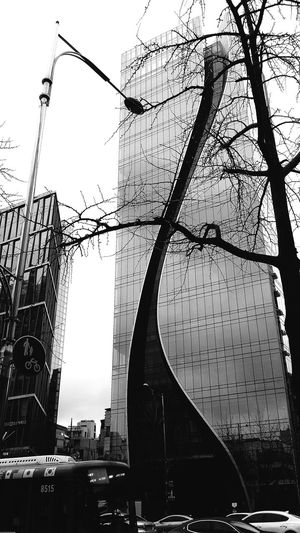 Building Architecture Seoularchitecture Koreaarchitecture Seoul Seoulspring2017 South Korea Bnw Bnwphotography Bnw_captures Bnwseoul