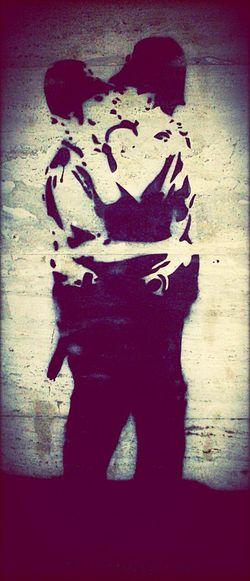 Love&Graffiti. Murales Wall