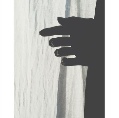 good morning☀ Blackandwhite Light And Shadow Hand Le Contre Jour