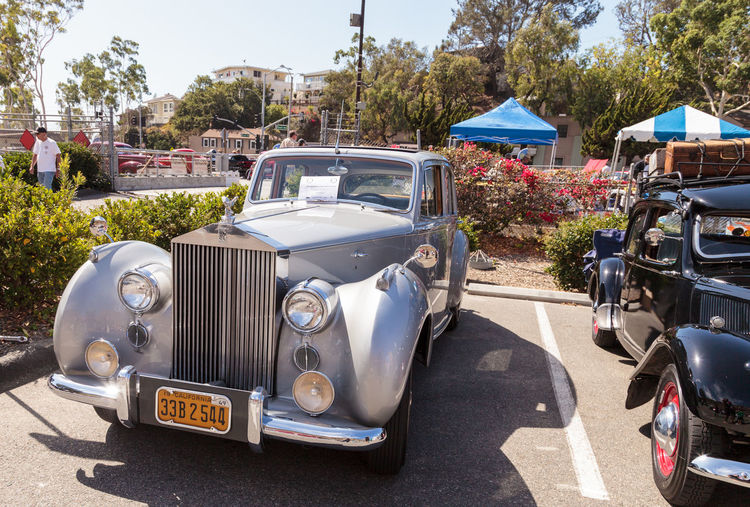 Laguna Beach, CA, USA - October 2, 2016: White 1949 Rolls Royce Silver Dawn Sedan owned by Rod Hatter and displayed at the Rotary Club of Laguna Beach 2016 Classic Car Show. Editorial use. 1949 Car Car Show Cars Classic Classic Car Show Day Laguna Beach Luxury Luxury Car Luxury Lifestyle No People Old Car Outdoors Rolls Royce Sedan Silver  Silver Dawn Vintage