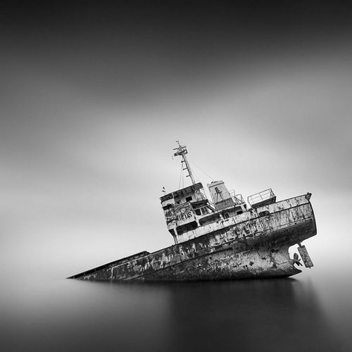 ship sinks black and white background Horizon Bacground Beach Lanscape Nature Photography Sea Shot Sky Water