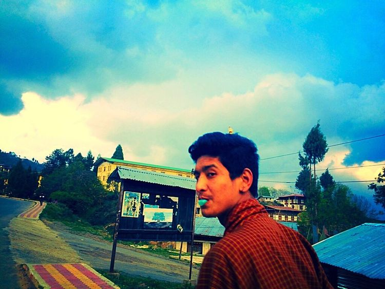 With my Bestfriend Spring Into Spring Sky And Clouds Peace And Quiet Taking Photos At College It Was A Good Day Had Fun