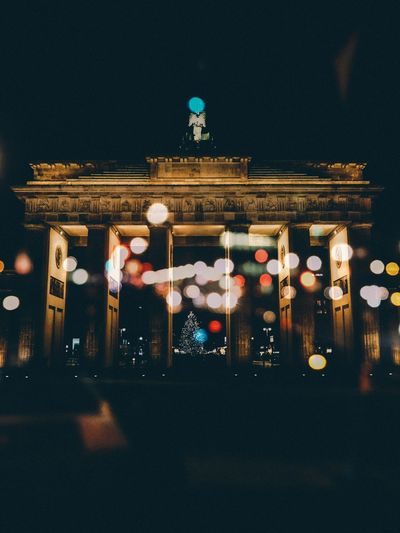 Double Exposure Bokeh The Week On EyeEm Brandenburg Gate Double Exposure Landmark Bokeh Photography Bokeh Brandenburger Tor Berliner Ansichten Berlin Night Illuminated No People Architecture City Outdoors Fresh On Market 2017 Visual Creativity #FREIHEITBERLIN The Creative - 2018 EyeEm Awards The Creative - 2018 EyeEm Awards