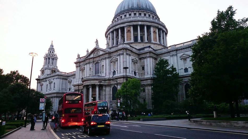 Showcase July St Paul's sunset traffic Historical Place Tall - High Capital Cities  Cloud - Sky EyeEm Gallery On The Move Sunset Nature London Bus Red City EyeEm Best Shots Tranquil Scene Transportation International Landmark Hello World Tourism Bus Historical Sights Famous Place Outdoors Travel Destinations Eye4photography  Incidental People