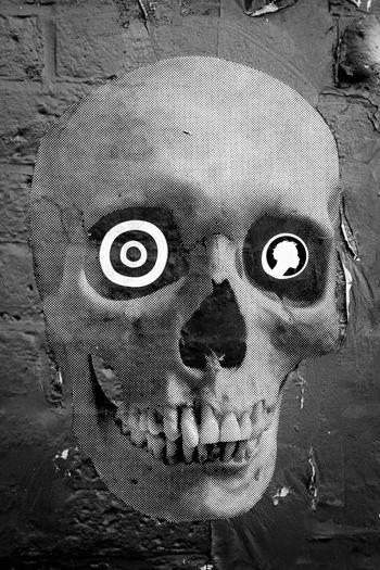 New York City Williamsburg, Brooklyn  Comics Skull Street Art Streetphotography
