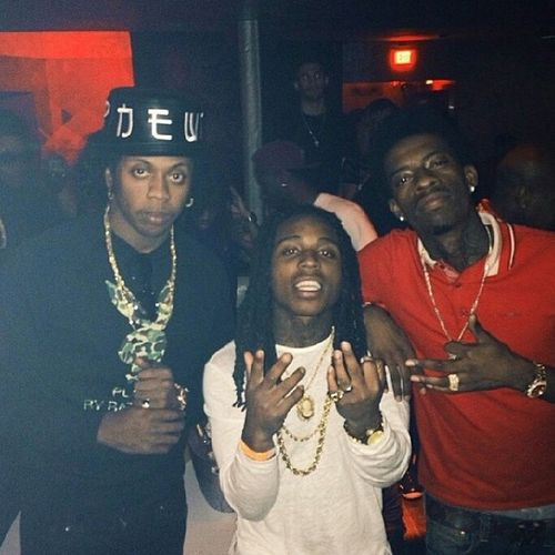 @trinidadjamesgg x @richhomiequan x @jacquees EACH ONE TEACH ONE ....YALL THOUGH WE WASNT GONNA TurnUP FO THE FAMILY THINKITSAGAMEFAMILY TIGTHALABEL !!!!