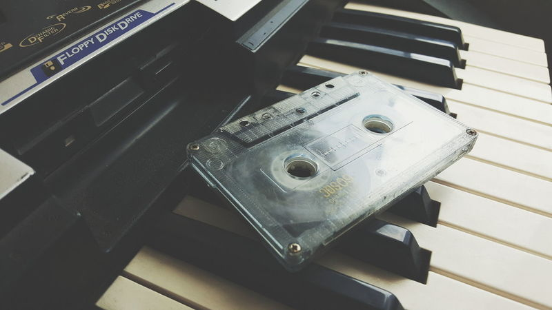Disquetera, cassette y piano electrónico High Angle View Indoors  No People Close-up Day Cassette Music Musical Instrument Piano Perspective Photography Things I Like Things Diskette Vintage Out Of Date