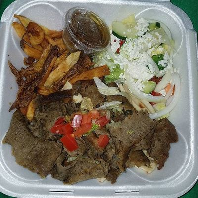 Getting our Greek on, but they forgot my damn tzatziki. 😡 👍👍🏻 Opa Gyro Greek Yummo Foodporn Greektaco