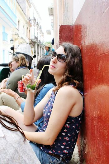 Cuba Streetphotography Casual Look Mojito! Girl Taking Photos Inspired Sunglasses