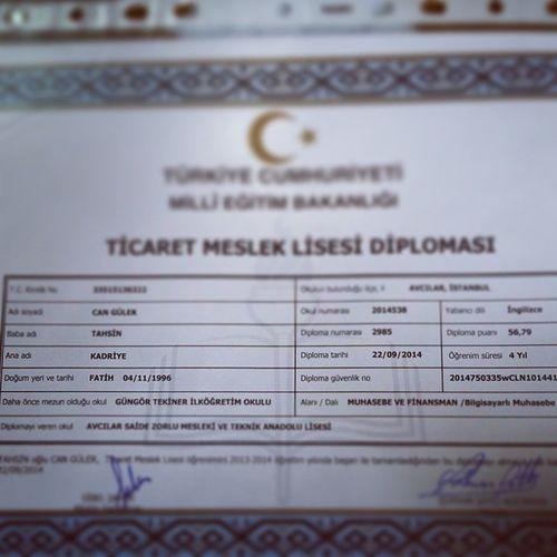 Iste simdi ilk adımı attım 😄😉Diploma Ticaretmeslek Muhasebe Türkiye lise şimdi bitti bff together photooftheday happy me