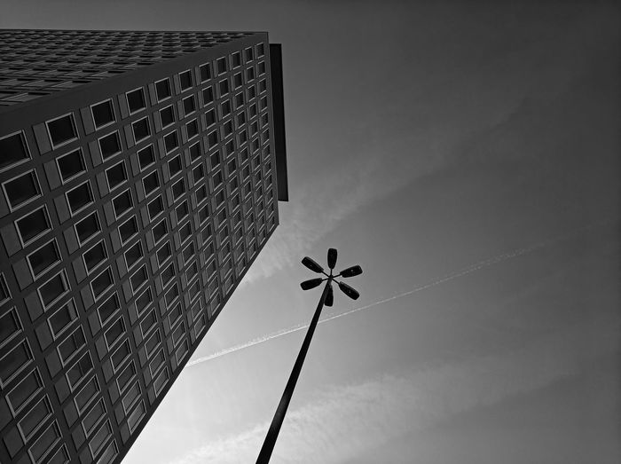 Low Angle View Architecture Built Structure Sky Building Exterior Tall - High Modern Pattern Building Skyscraper Geometric Shape Blackandwhite