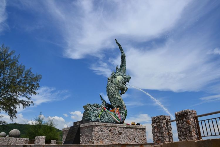Statue Sculpture Animal Representation Art And Craft Sky Day Dragon Architecture Outdoors No People Thailand Sunny Travel Tranquil Scene Scenics Travel Destinations Landscape Vacations