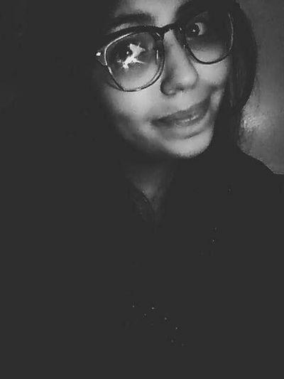 Portrait B&W Portrait Eyeembestshots - Black + White EyeEm Best Shots Algeriangirl One Light Light And Shadow One Person Blackandwhite Photography Black Background Jeudelumiere Lunettes 👓 Glasses👌 Learn & Shoot: Simplicity Learn & Shoot: Single Light Source Showcase: November