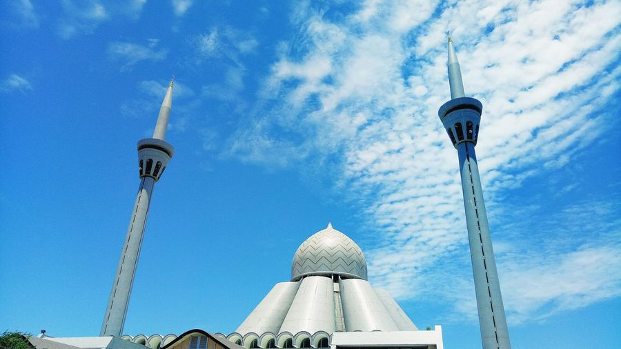 Masjid Jamek An-Nur Wilayah Persekutuan Labuan Low Angle View Architecture Blue Sky Building Exterior Outdoors Built Structure Nature