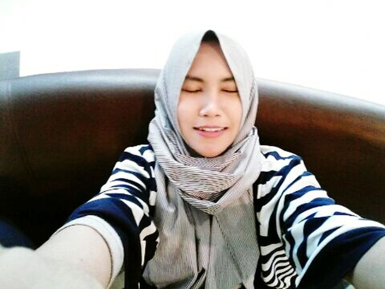 The Week On EyeEm Indonesian That's Me Beautiful Girl Good Mood :) Beauty❤ Surakarta Hijabi Smile :) Elegant HelloEyeEm Lunch Time! Just Me Taking Photos Enjoying Life Cute♡ Enjoy ✌