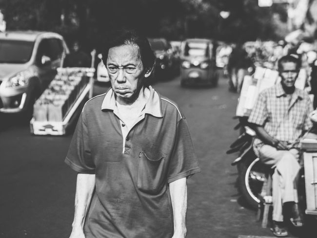 too bright! Streetphotography Street Photography Oldman Oldmanportrait Old Black And White Photography Streetphoto_bw Black And White Blackandwhite Blackandwhite Photography People Photography People The Street Photographer - 2018 EyeEm Awards Portrait Looking At Camera Men Retro Styled Eyeglasses