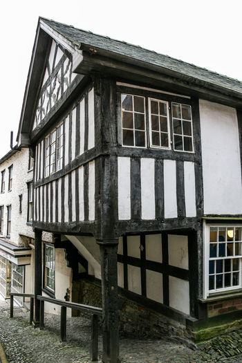 The House on Crutches, Bishops Castle Ancient Architecture Architecture Black And White Elizabethan Timbered House Tudor