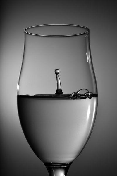 Alcohol Celebration Close-up Day Drink Drinking Glass Food And Drink Freshness No People Refreshment Studio Shot White Background Wine Wineglass 儲存 創意思考 創造 水 水滴 水珠 注入中 純