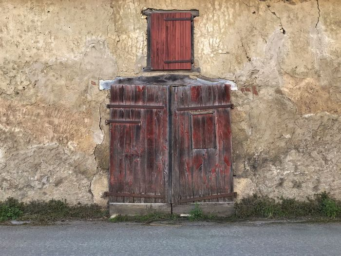 Looks like a botte of ... 😉 Landes Hastingues Beauty Moment Door Wall - Building Feature Outdoors Built Structure Day No People Architecture Red Building Exterior