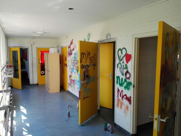 Day Grafity Indoors  No People Old School