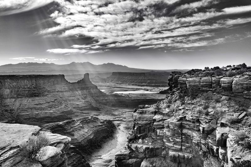 Canyon lands park EyeEmNewHere Landscape_photography Landscape_Collection God Rays Rays Of Light Sun Beams Canyonlands National Park, Utah Sky Nature Beauty In Nature Tranquility Tranquil Scene Scenics Physical Geography Landscape Outdoors Cloud - Sky Travel Destinations Day No People Mountain EyeEmNewHere
