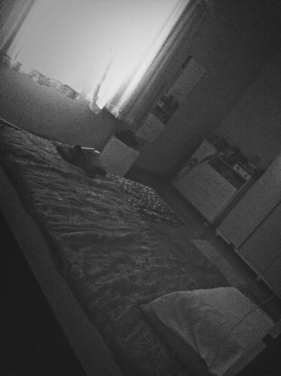 In The Bedroom With My Friends :p !