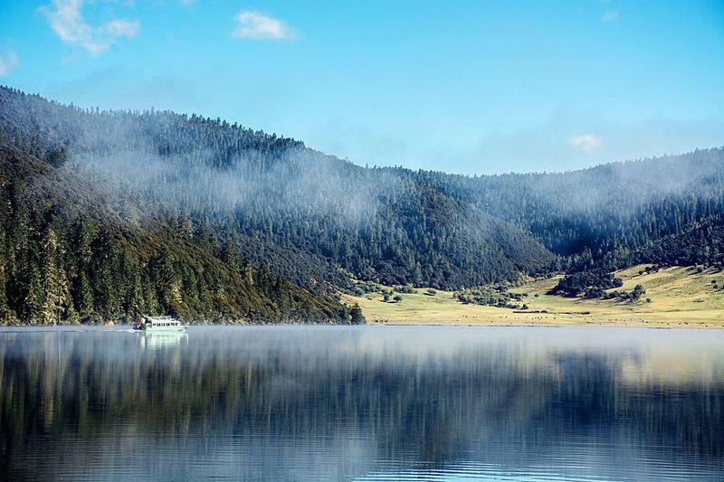 EyeEm Selects 香格里拉 普达措 Nature Lake Mountain Beauty In Nature Water China Photos yunnan 云南