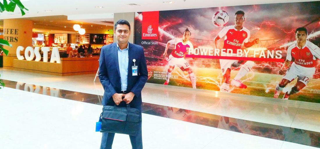 Dnata Emirates Headquarter EGHQ Dubai UAE Men At Work  Touring Hello World Professional