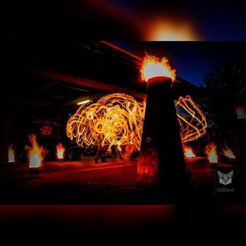 A Ball of Fire (Chapeau Claque Rouge) Fotografie Salzgitter Langzeitbelichtung Bulbexposure Feuershow Fireshow Hades Perséphone Photographyislife Photgraphy