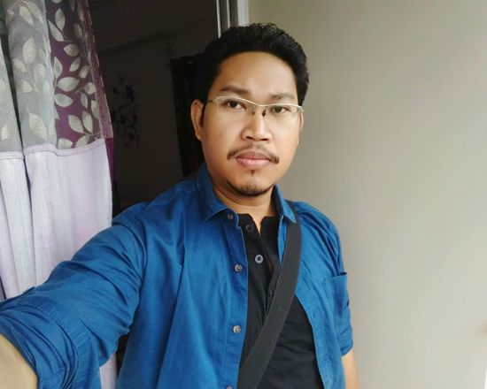 EyeEm Selects Self Portrait Selfie ✌ Myself And My Life☆ Black Hair Confidence  Looking At Camera Cool Attitude Men Fashion Eyeglasses