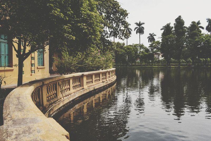 世間如此紛亂,何不靜下心感受 Hanoi Vietnam Trip Hello World Relaxing