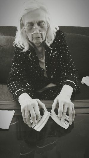An old hand Old Woman Aging Cards Hands Old Hands Life Growing Old Growing Old Doesn't Have To Be Nursing Home Still Got It  Black And White Blackandwhite Photography Black And White Collection  Black And White Portrait Portrait Of A Woman Portrait Of An Old Woman 91 Mother People In Places The Portraitist - 2017 EyeEm Awards